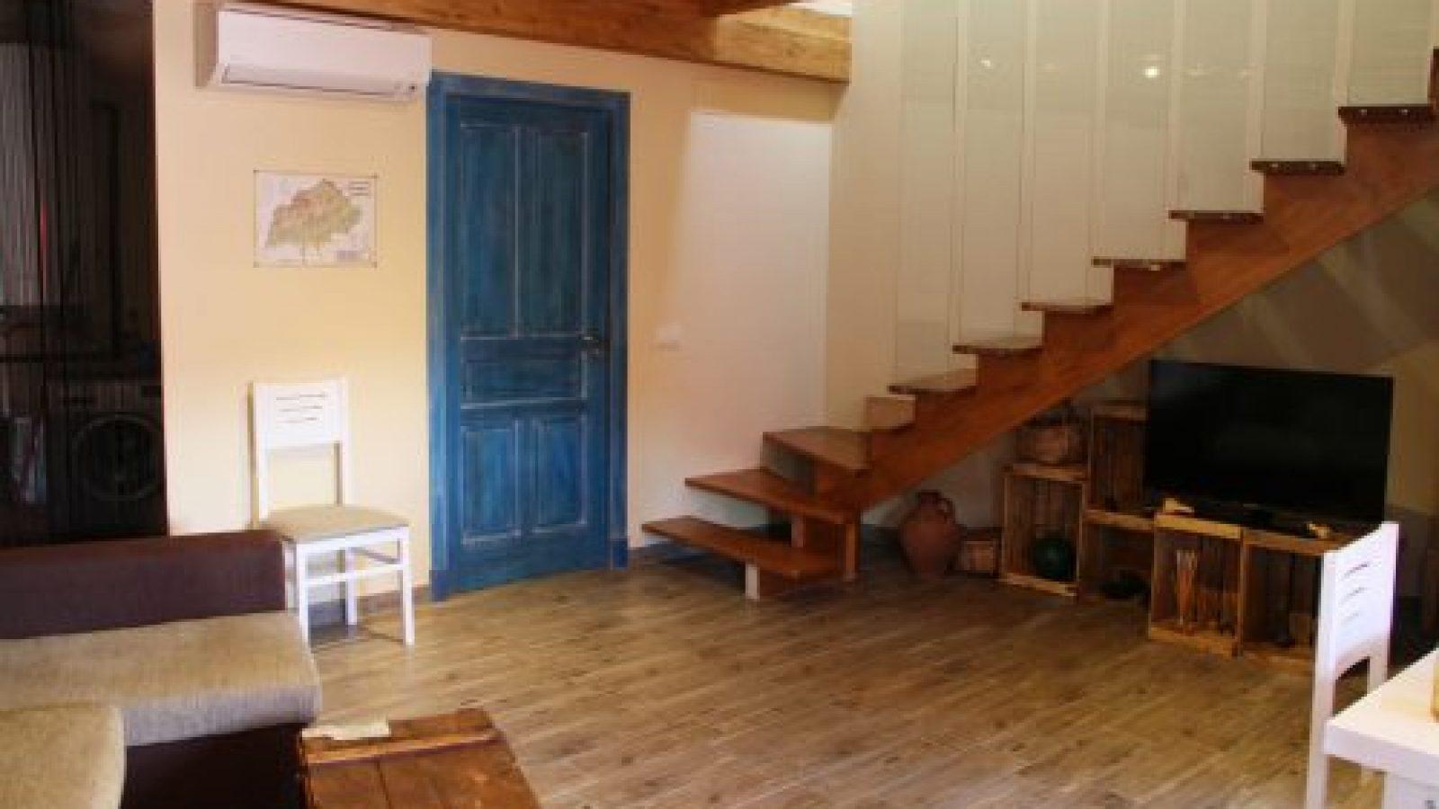 escaleras casa rural en Extremadura
